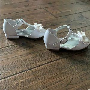 Toddler patent white flower girl dress shoe